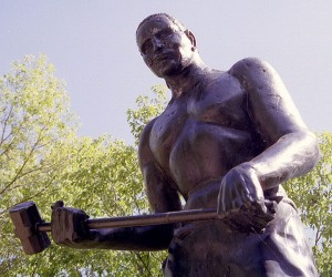 Statue of John Henry (photo by Ken Thomas)